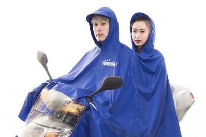 Mách nhỏ bạn nghe những loại áo mưa phù hợp nhất cho mùa mưa.