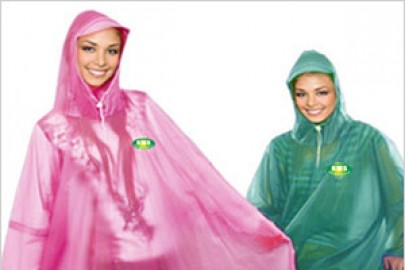 Áo mưa quảng cáo- công cụ hữu hiệu của nhiều doanh nghiệp